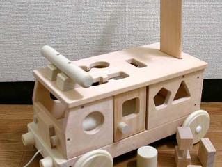 日本製のりものおもちゃ 森のパズルバス