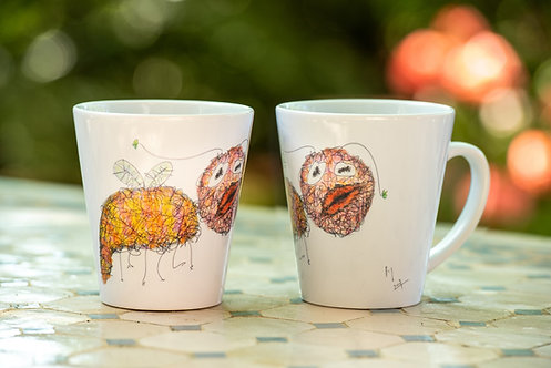 Kissing Bug Scroodle Latte Mug