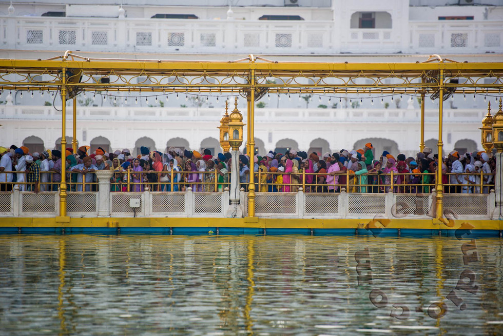 Line to the Golden Temple