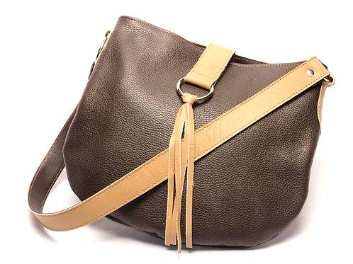 Brown leather handbag with fringes. CART 02