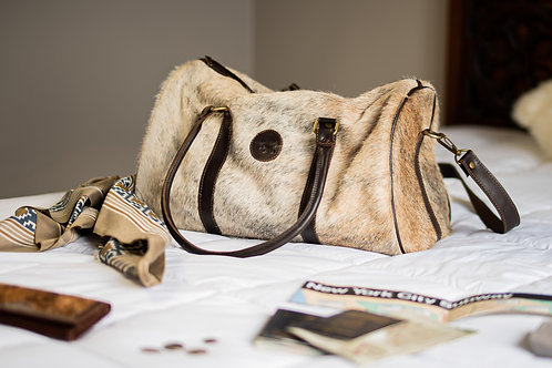 Small Cowhide leather travel bag. BOLS 25