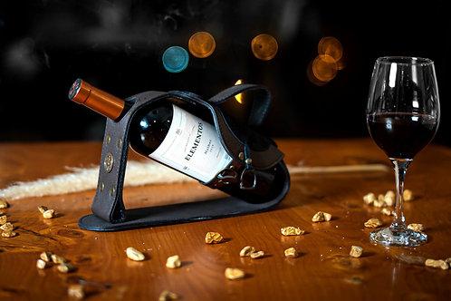 Leather Saddle' wine holder. VIN 05