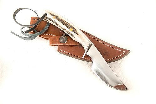 Verijero knife with deer antler. CUCH 07