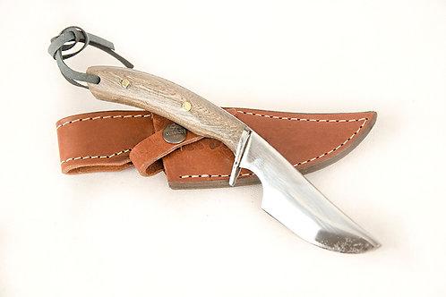 Verijero knife with wood handle. CUCH 04