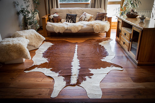 """""""Coffee and Milk"""" Short hair cowhide rug. CUE 02C"""