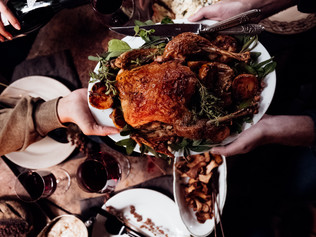 5 Tips for Holiday Social Eating