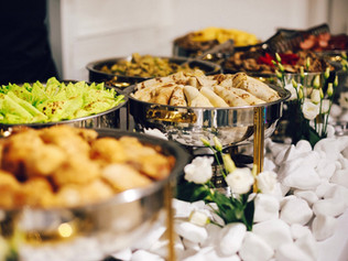 3 Tips to Make Buffets and Potlucks More Mindful