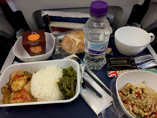6 Takeaways About Mindful Eating and Airplane Meals