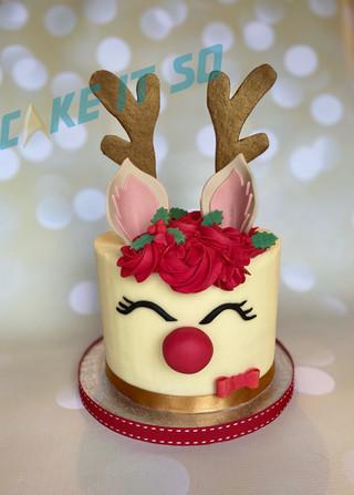 reindeer buttercream cake christmas.jpg