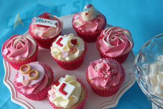 Red Hen Party Cupcakes