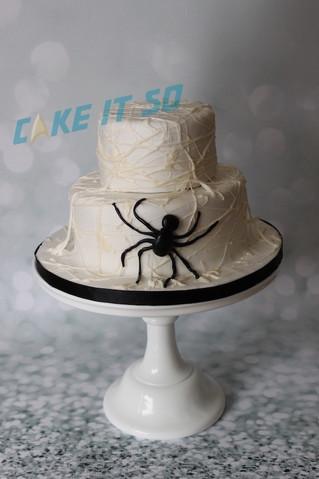 spider web halloween cake.jpg