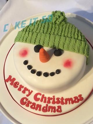 snowman face cake.jpg