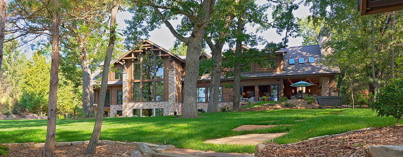 Sandpoint Lodge by WLHCH