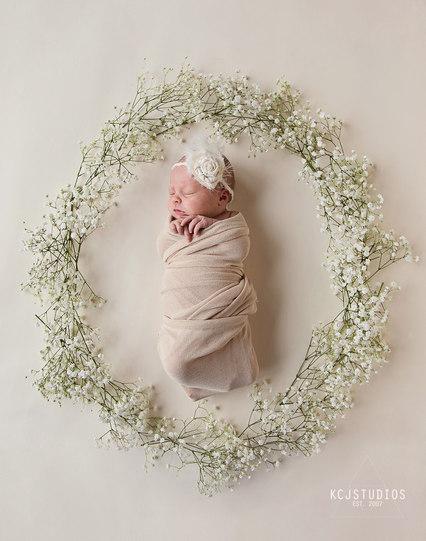 Newborn photography Green Bay, WI.jpg