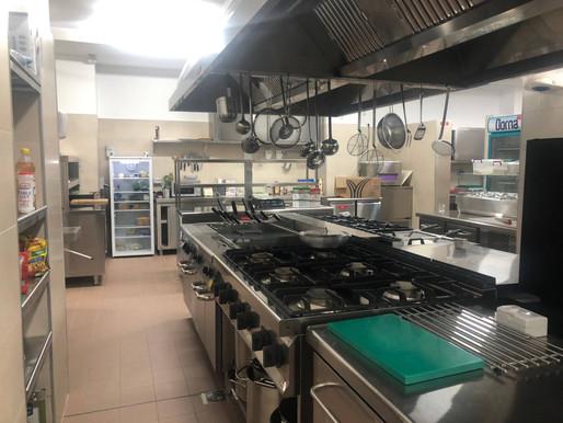 Utilaje și echipamente profesionale pentru bucătărie de restaurant