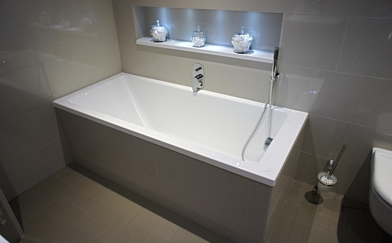 Fitted bath, Seabrook PR2.jpg