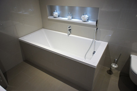 Simple fitted bath, overflow filler, handheld shower, Seabrook PR2