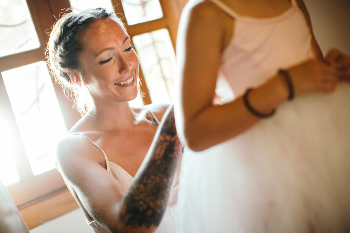 """alt=""""Bride and daughter moment"""""""