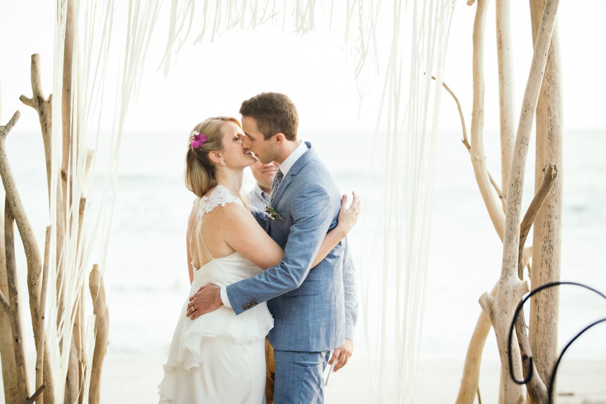"alt=""just married kiss"""