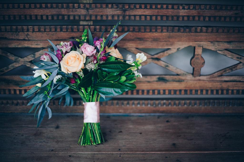 """alt =""""Bride bouquet"""""""