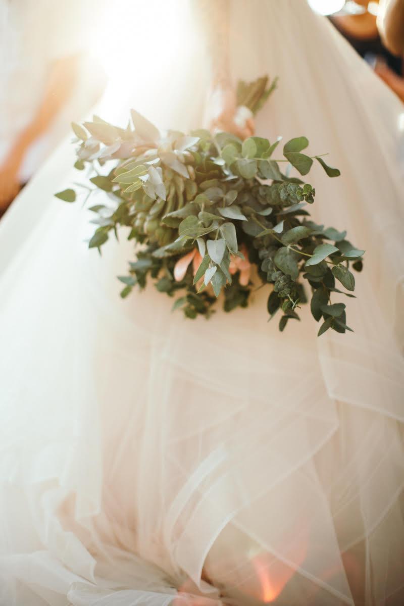 """alt=""""Bride's bouquet"""""""