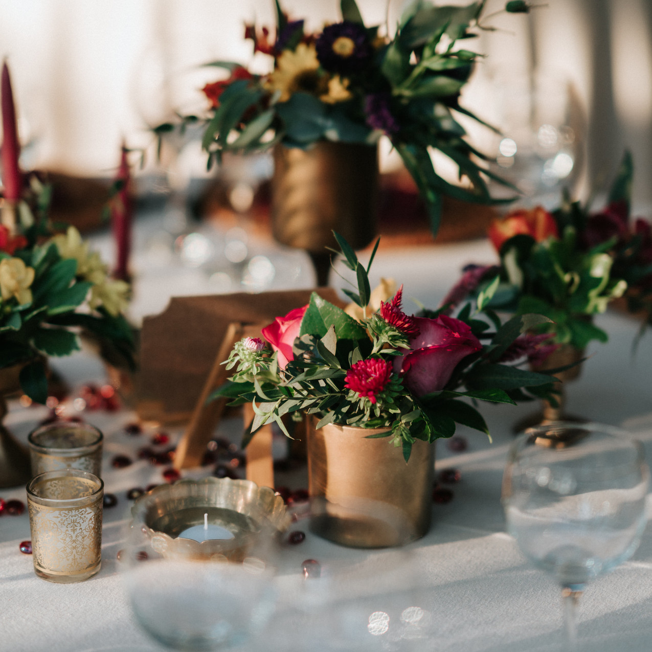 bright colors for wedding tables