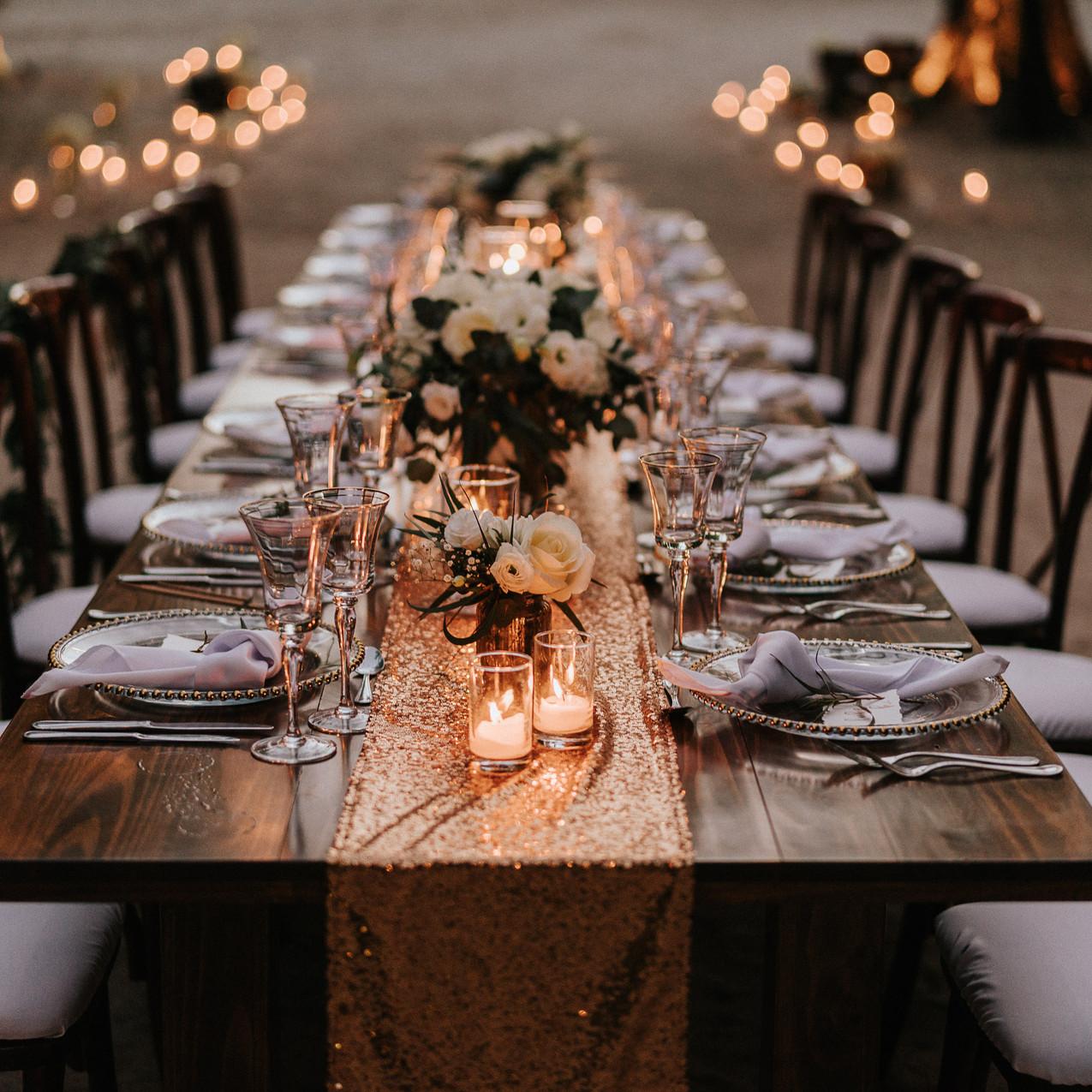 "Alt=""wedding table at night"""