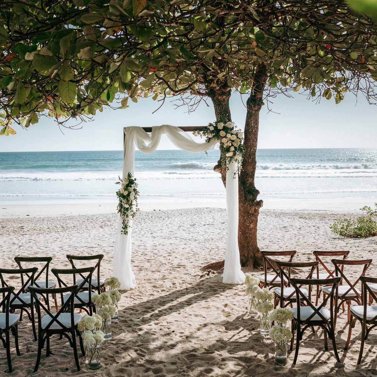 """alt=""""ceremony decor on the beach"""""""