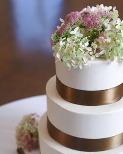 Elegance wedding cake