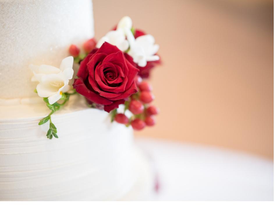 glittery wedding cake