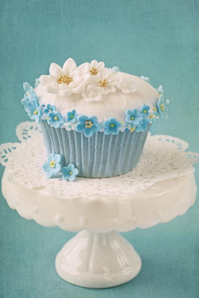 Bespoke Fondant cupcake with white and b