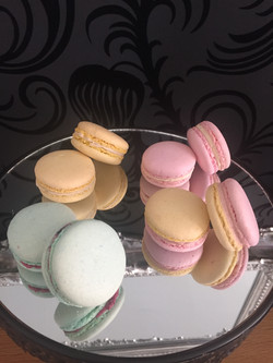Celebrity Cakes Macarons