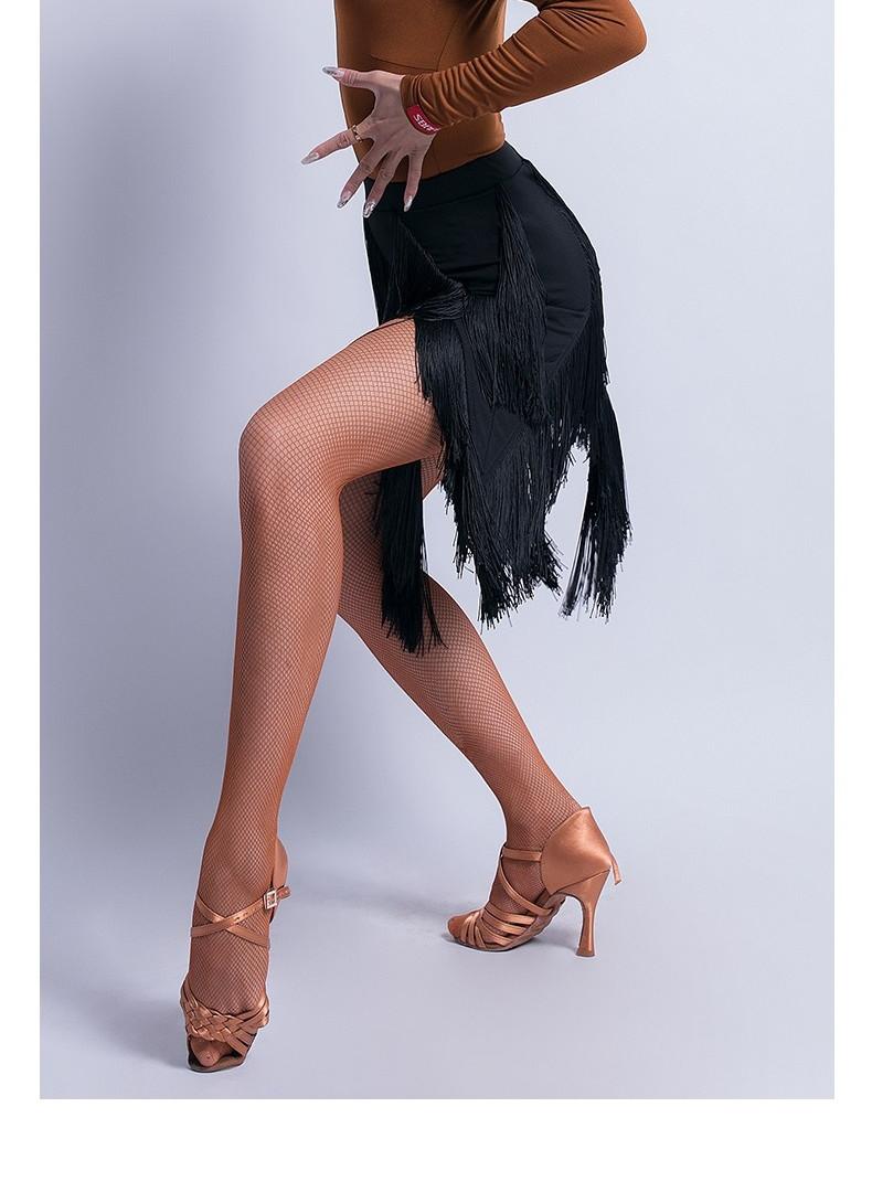 ladyskirt.jpg