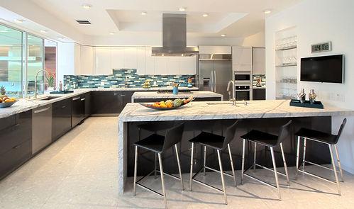 Kitchen1_edited_edited.jpg