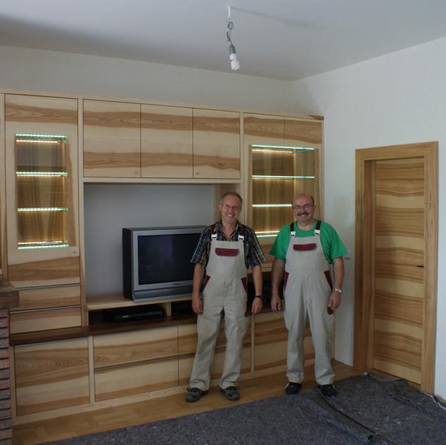 Wohnzimmer in Kernesche / Esche mit Braun-Kern
