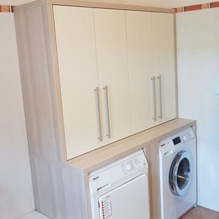 Waschmaschine un Trockner ein Schrank eingebau