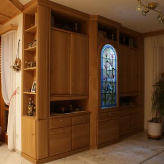 Wohnzimmer Einbauschrank Eiche mit beleuteten Ornamet-Glas