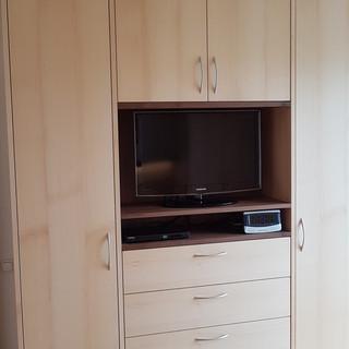 Schlafzimmer Einbauschrank mit Fernseher