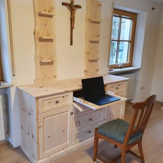 Sideboard mit Schubladen, Türen, Klappe mit Laptop Auszug