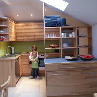 Küche in Dachschräge aus Kernbuche