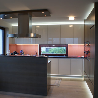 moderne Einbauküche hochglanz
