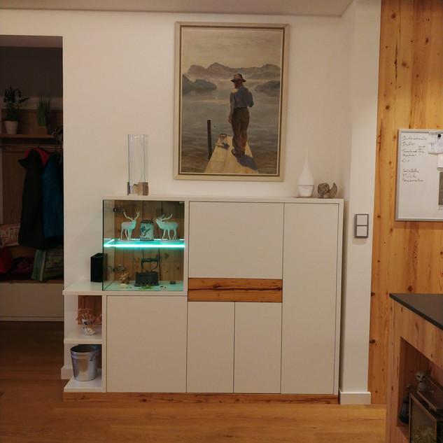 Sideboard (Highboard) Vitrine mit beleuchteten Glas