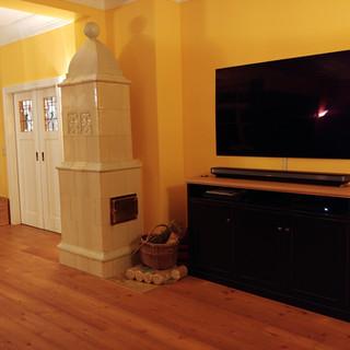 Tv Schrank dunkel lackiert (Ecken vintage durchrieben) mit Eiche kombiniert
