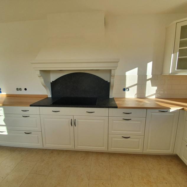 Einbauküche weiß mit Eiche