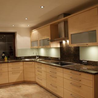 Küche aus kanadischen Ahorn mit Granitplatte