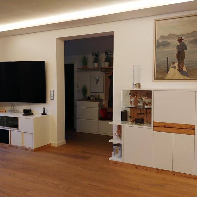 Wohnzimmer Sideboard und Lowboard weiß mit Fichte - Altholz kombiniert