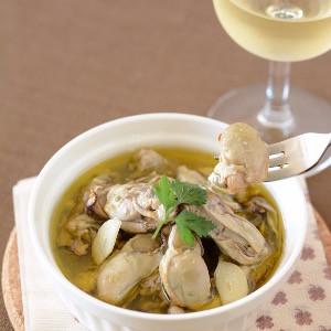 牡蠣のアヒージョ(白ワイン、バゲットと楽しむ)
