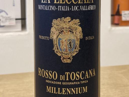 トスカーナの伝統的な赤ワイン