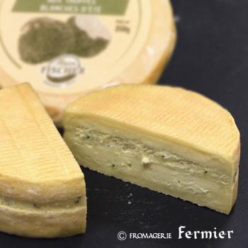 5/11(火) 今週のチーズ - トリュフ入りチーズ、スペインの青かびチーズほか全7種類