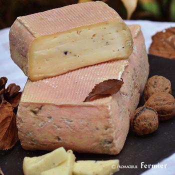 10月のチーズ 4種類と定番チーズ入荷しました